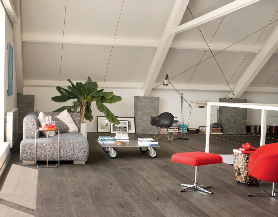 Mezzanine espace relax canapé parquet gris - Jad'O Parquet